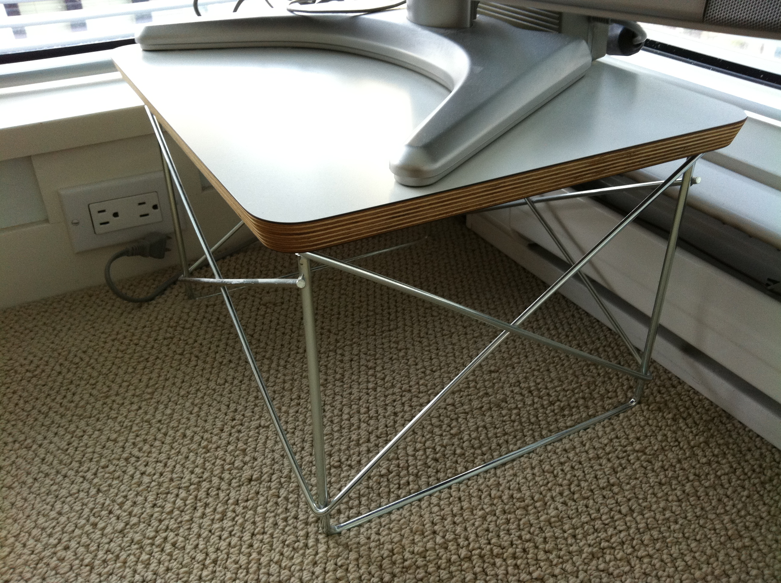 Herman Miller   Eames Wire Frame Side Table