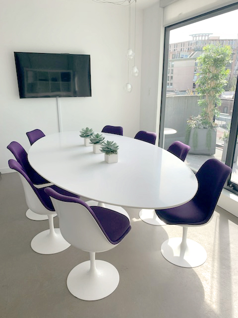 Knoll Saarinen Oval Table 96 8x Fully Upholstered Knoll Tulip Chairs Revision Interiors
